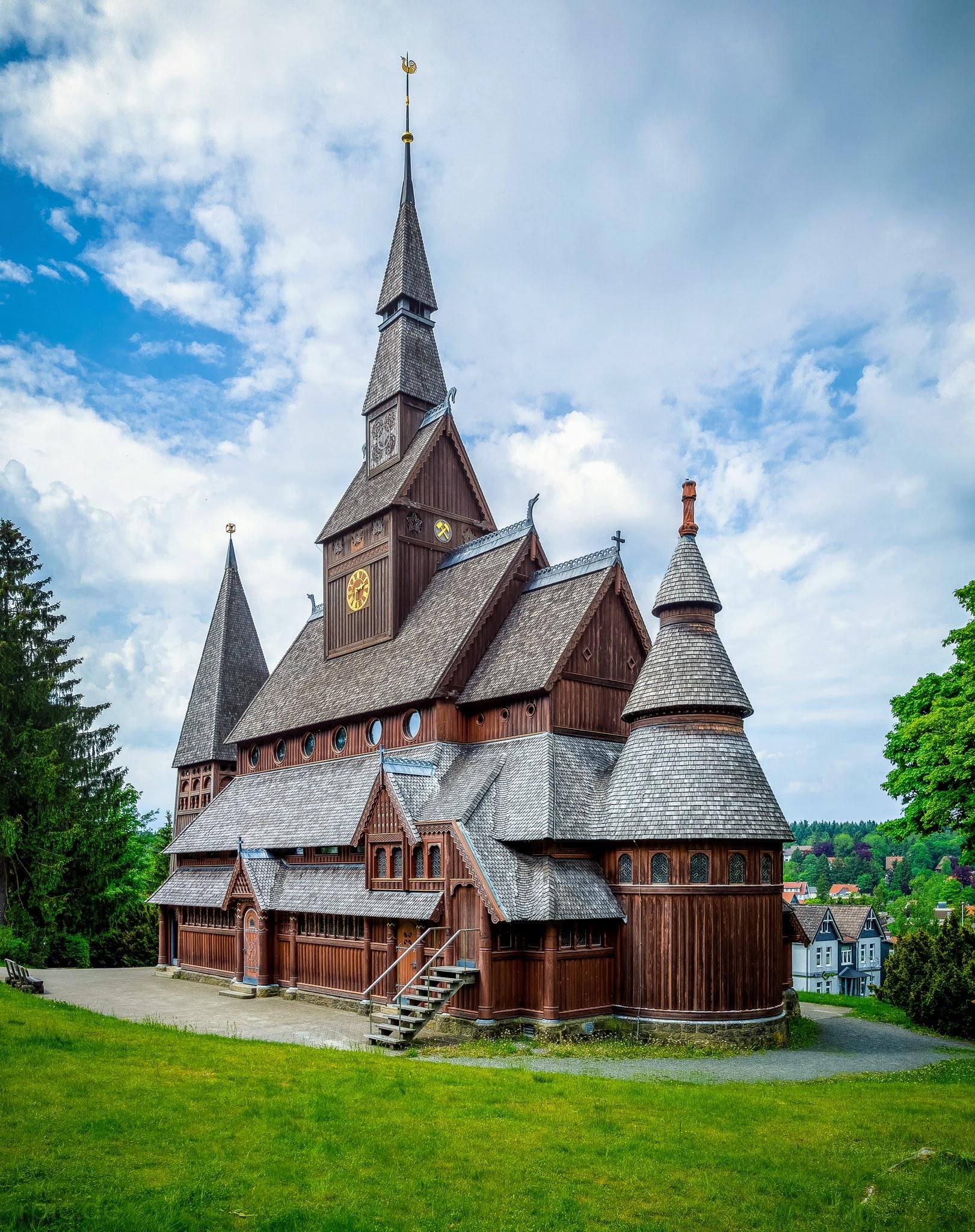 Rückseite der Kirche